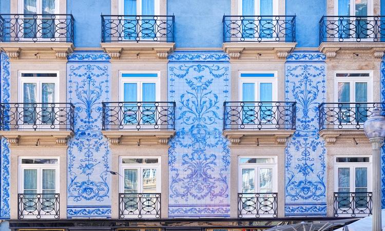 Fachada nos melhores bairros do Porto