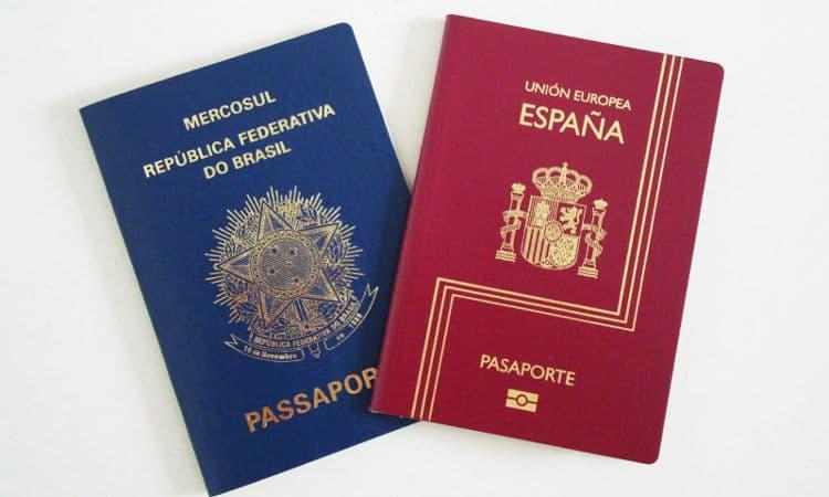 Passaporte espanhol e brasileiro