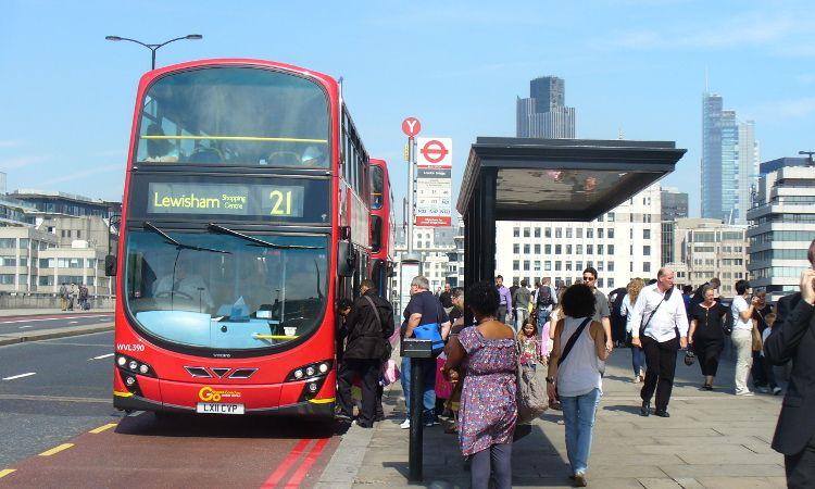Ponto de ônibus Londres Inglaterra