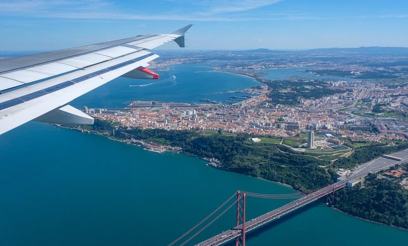 quanto custa passagem para Portugal