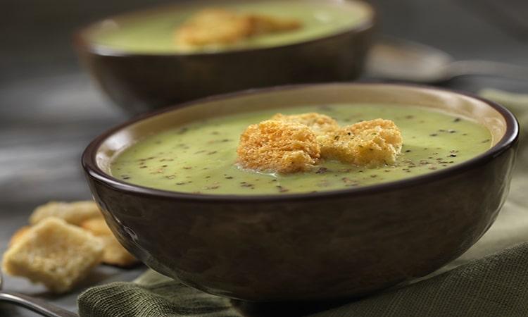 Comidas típicas da Holanda sopa de ervilha