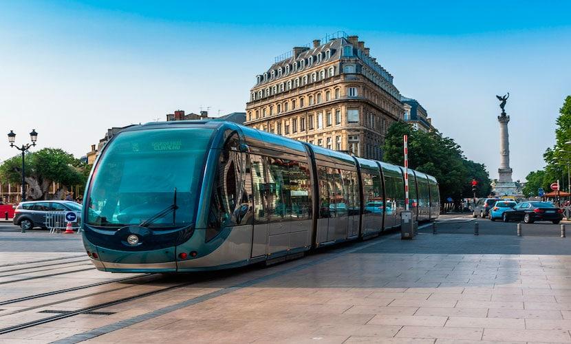 tram transportes públicos na França