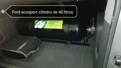 Ford Ecosport con cilindro de 40 litros