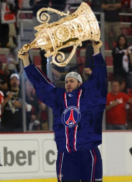 Kris Letang lifts the EURO Cup after Paris defeated St. Petersburg.