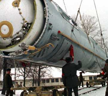 Here's what nuclear weapons have to do with the Ukraine crisis