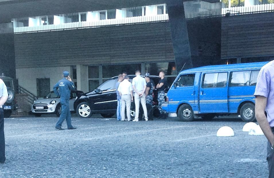"""Das 500-Betten-Hotel, gut sowjetisch """"Jalta Intourist"""" geheißen, musste wegen eines Bombenalarms kurzfristig geräumt werden (Bildnachweis: facebook, Frank Creyelmann)"""