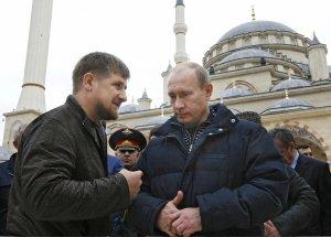 Ramzan Kadyrov and Vladimir Putin in Grozny. (Image: AP/Scanpix)