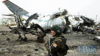 Russian occupation soldier at the devastated Donetsk airport in Donbas, Ukraine (Image: LB.ua)