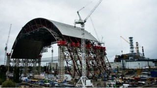 New safe confinement under construction
