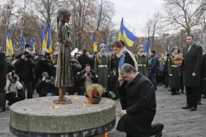 President of Ukraine Petro Poroshenko attending a memorial on November 22, 2014 in Kyiv for the victims of the Holodomor, or the Famine-Genocide conducted by the Soviets in Ukraine in 1932-1933, which killed millions of Ukrainians. (Image: ImagineChina)