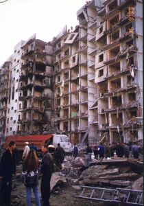 Apartment bombing in Volgodonsk, Russia, 16 September 1999 (Image: Wikipedia)