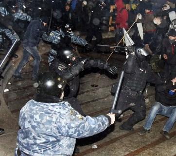 students ukraine protest pacification berkut
