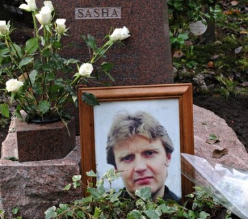Alexander Litvinenko's grave in Highgate cemetery. In deathbed interviews in hospital with Metropolitan police, he accused Vladimir Putin of personally ordering his murder. The British investigation confirmed his conclusion. (Image: Stefan Rousseau/PA)