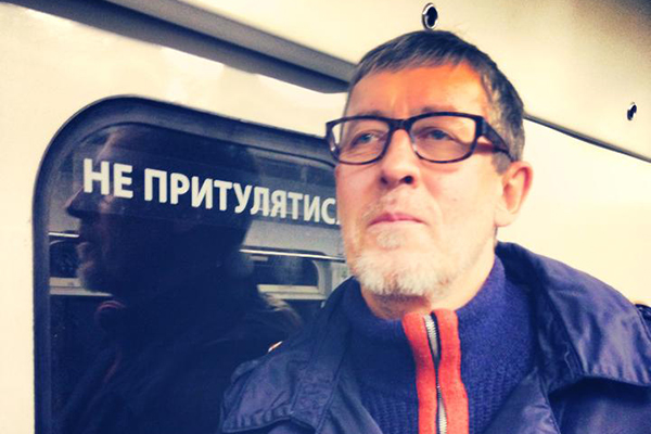 Aleksandr Shchetinin actively supported the Euromaidan. Here he is pictured in the Kyiv metro
