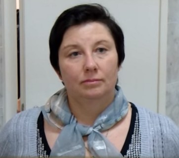 A Russian district court sentenced single mother Ekaterina Vologzheninova to 320 hours of labor for re-posting materials against Russian aggression in Ukraine. February 2016 (Image: ixtc.org)