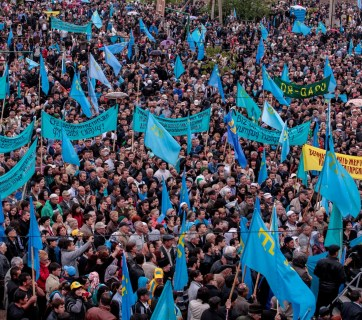 Crimean Tatars commemorating the anniversary of deportation (Image: RFE/RL)