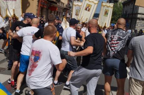 Clashes during the memorial procession in Przemysl, Poland. Photo: Yevropeyska Pravda.