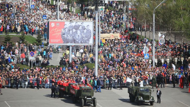 "The ""Immortal regiment"" procession in Barnaul. Photo: Altapress.ru"