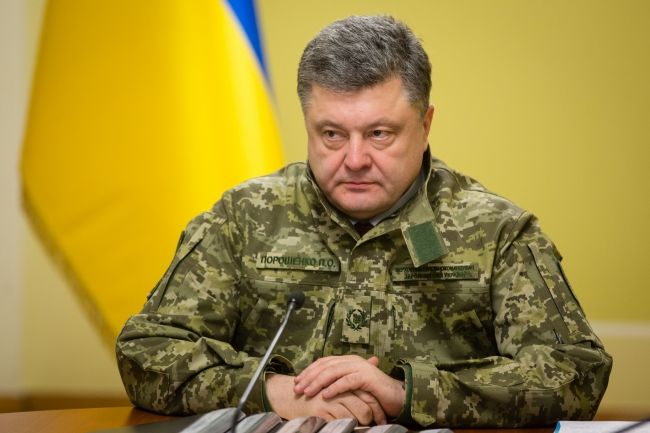 Due to situation in the country Poroshenko can't be like Yanukovych. Photo: grushevskogo5.com
