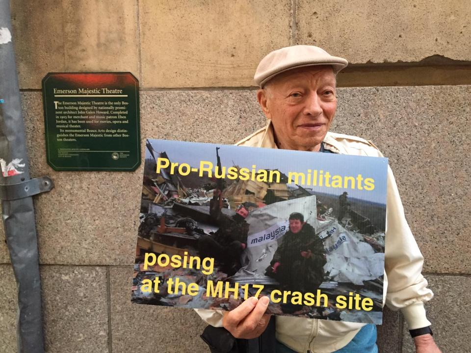 Spivakov-protest-oldest.JPG