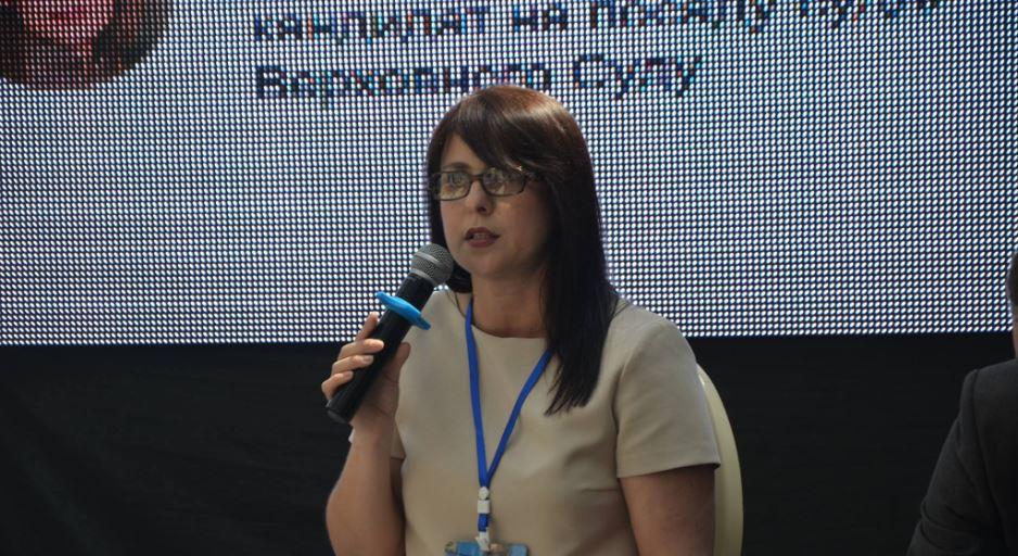 Olena Kibenko speaks at the 7th West-Ukrainian legal forum of the Ukrainian Bar Association. Photo: fb.com/ UkrainianBarAssociation