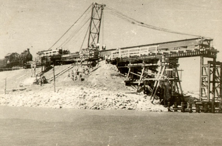 The Crimean Bridge which took 150 days to build fell apart after only 107.