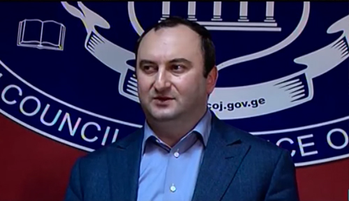 Screengrab from a video footage showing Levan Murusidze speaking with journalists on December 25 after High Council of Justice reappointed him as a judge.