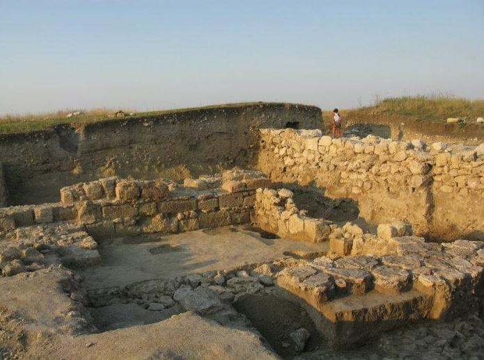 The archeological excavations in Artesian are now under danger. Photo: Wikimapia