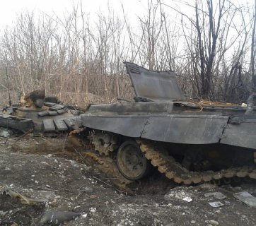 Remains of a Russian tank T-72 of the most advanced modification B3, which is possessed only by the Russian regular army, destroyed by Ukrainian artillery fire during a Russian attack near Debaltseve, Ukraine in March 2015. Image: censor.net.ua