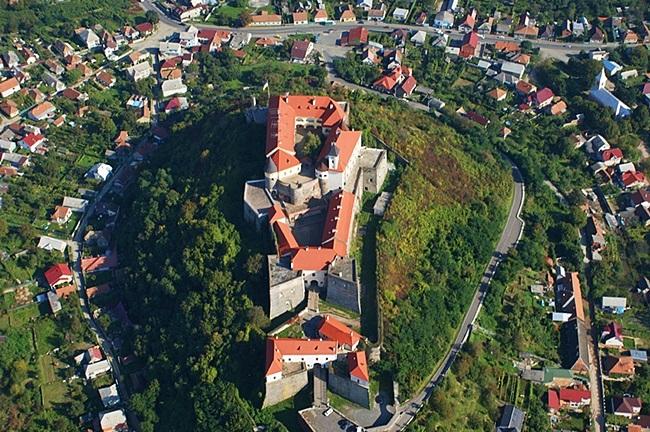 Aerial view of Palanok Castle. Photo: tsikaviy-svit.com