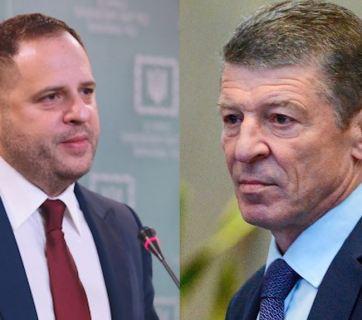 Ukrainian presidential office head Andrii Yermak (L) and Russian presidential envoy Dmitry Kozak (R)