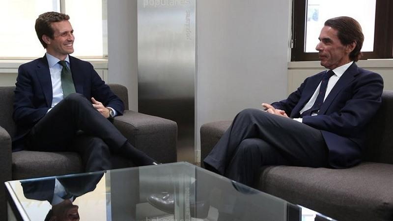 Pablo Casado y José María Aznar en la sede del PP