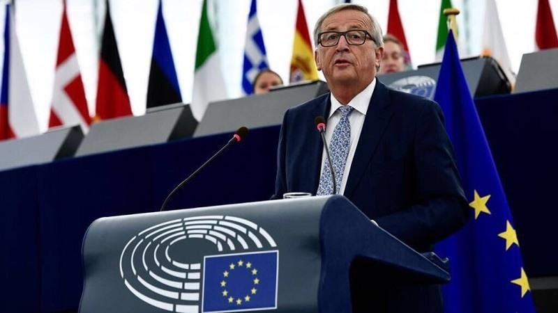 Jean-Claude Juncker le dice a Sánchez que los fondos de inmigración son limitados pero se compromete a desbloquear 53 millones
