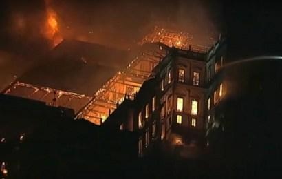Un incendio arrasa el Museo Nacional de Brasil, en Río de Janeiro