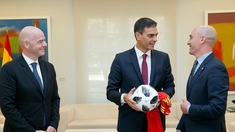 Luis Rubiales, visita junto al maximo responsable la FIFA, Gianni Infantino, el Palacio de la Moncloa para reunirse con el presidente del Gobierno
