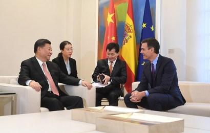 España y China firman 10 acuerdos por 15,45 mil millones de euros