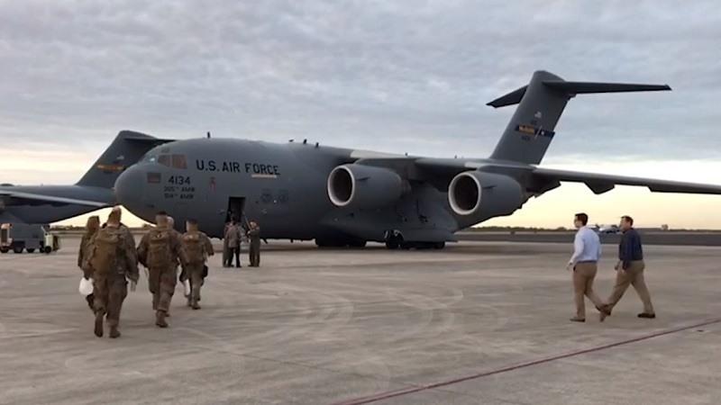 Aviones militares de EEUU llegan con ayuda humanitaria a la frontera con Venezuela