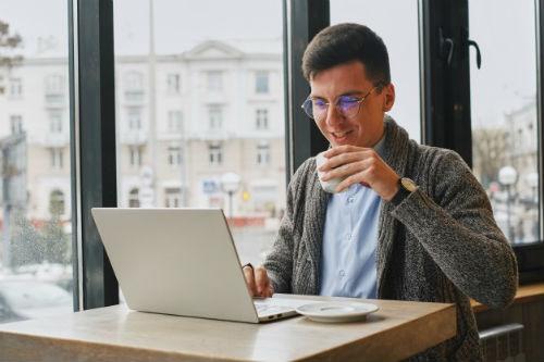 forma interesante de ganar dinero en internet