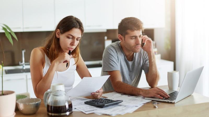 Qué saber antes de pedir un préstamo online con bajo interés