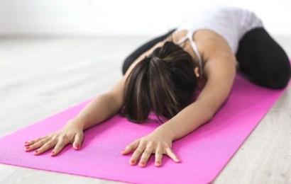 Las ventajas de realizar un curso certificado de profesor de yoga online