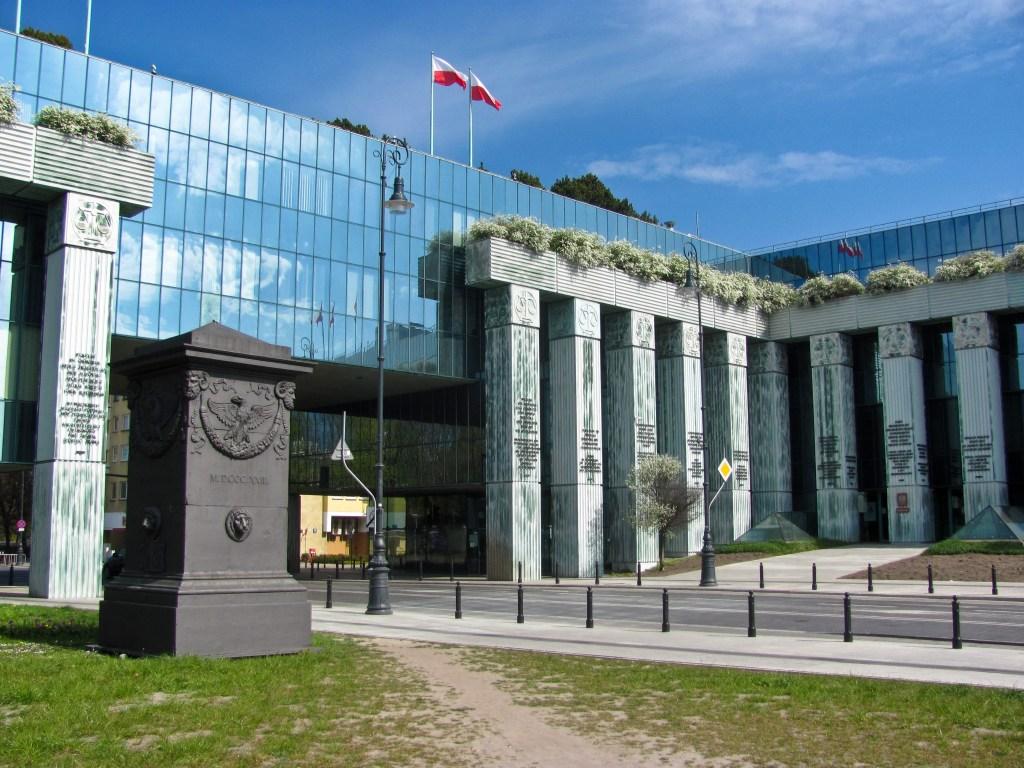Högsta domstolen i Polen (bild).