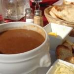 濃厚フィッシュスープならここ!夫が幼少時から通い続けているわが家の定番レストラン「La Mama」