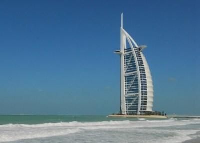 世界で一つ、七つ星を誇るホテル、Burj Al Arab