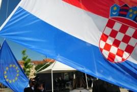 Drapeaux croate UE web petit