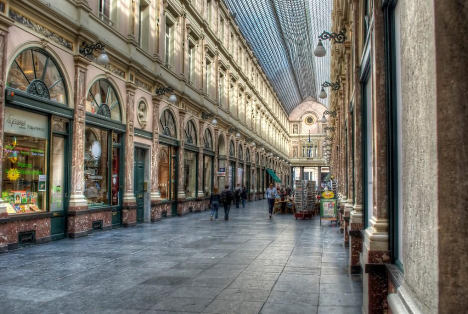 Les_Galeries_Royales_Saint_Hubert_Shopping_Mall_Brussels_Belgium