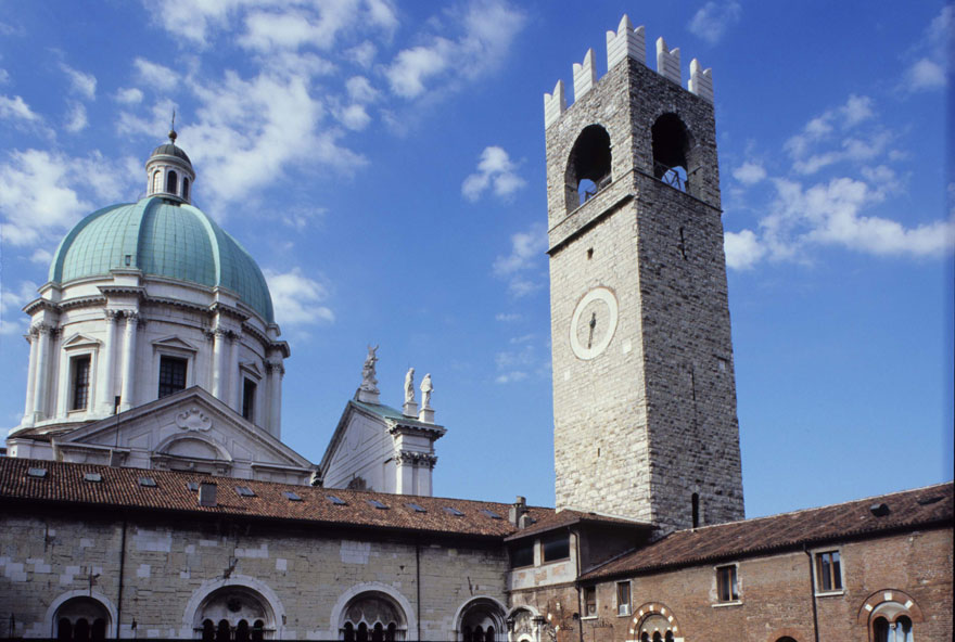 Broletto Como Italy