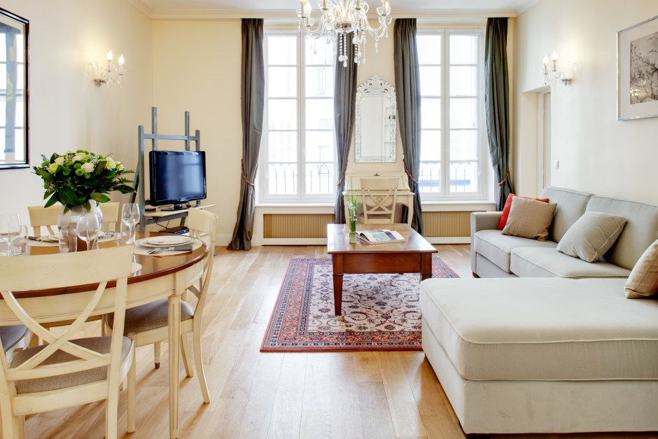 Eiffel Tower luxury apartment for rent