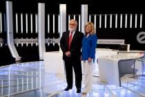 Arias Cañete y Elena Valenciano antes de comenzar el debate. Foto: Partido Popular