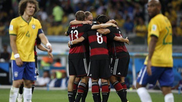 Los alemanes celebran uno de los 7 goles (Foto: AFP)