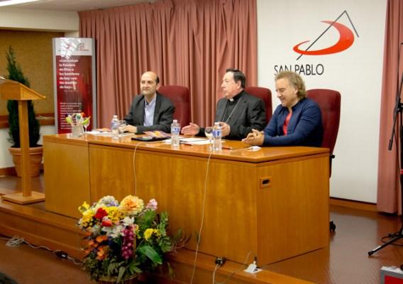 Fernando Cordero junto a Monseñor Juan del Rio y Migueli